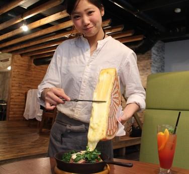 【時給1000円以上!:オープニングアルバイト募集】おしゃれなチーズ専門カフェレストランが誕生!